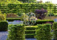 Norobežojam savu dārzu ar augu palīdzību – lai kaimiņi nelūr iekšā!