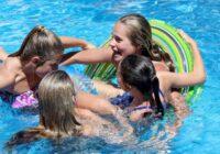 Visas 16 meitenes, kuras peldējās šajā baseinā, palika stāvoklī