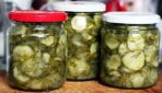Gurķu un sīpolu salāti ziemai, kurus nav nepieciešams sterilizēt
