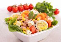 Svaigo tunča salātu recepte – veselīgais pusdienu variants