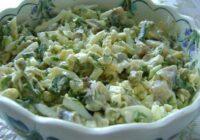 Pavisam vienkārši zaļo lociņu un olu salāti